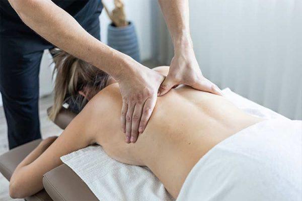 Medizinische Rückenmassage in stuttgart