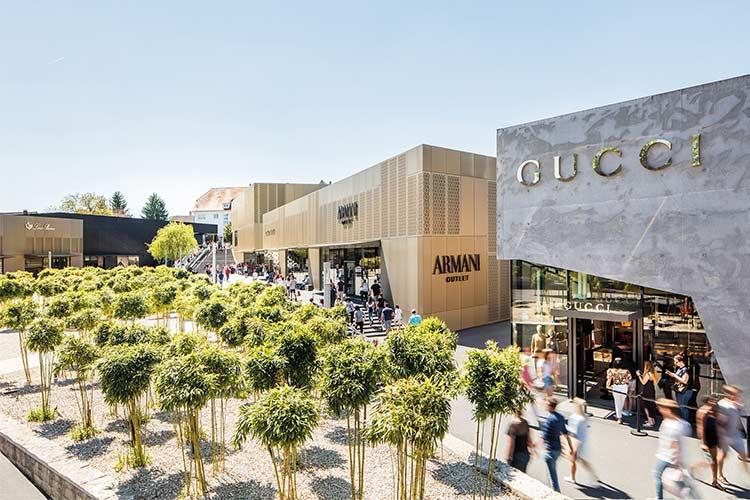 Outletcity Metzingen, Shopping während des Aufenthaltes
